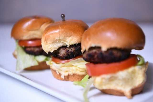 chicken-beef-burger-sliders